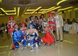 """Prvo mjesto grupna maska """"Oli jedan đir"""" (karnevalska grupa Karampana)"""